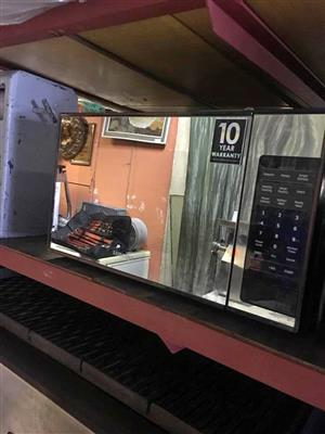 Microwave samsung in excellent condition