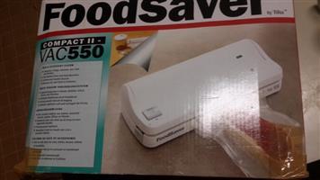 FoodSaver's Vacuum Sealer. Complete unused gift still boxed