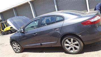RENAULT FLUENCE STRIPPING FOR SPARES