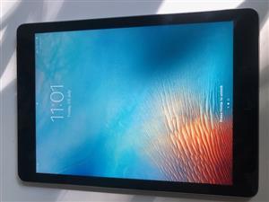 iPad 5th Generation 128GB WiFi Silver