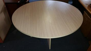 Summer oak meeting table