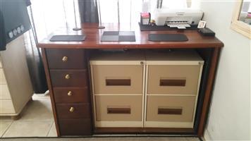Railway Sleeper Wood Desk/ counter table lessenaar