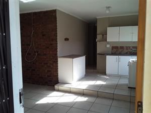 Private secure garden unit 3 Bedroom in Gezina