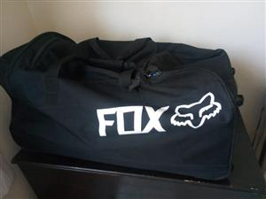 Fox bag on wheels