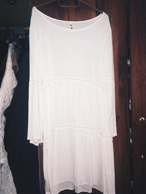 White long sleeve summer dress