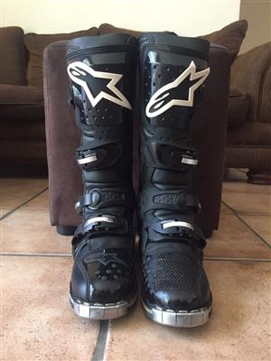 Alpinestars Tech 8 motocross boots