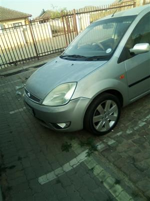 2005 Ford Fiesta 1.6i 3 door Trend