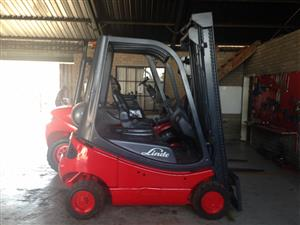 LINDE GOOD CONDITION 1.8 TON GAS FORKLIFTS FOR SALE