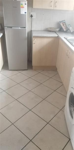 2 Bedroom flat to share in Pretoria North (Female)