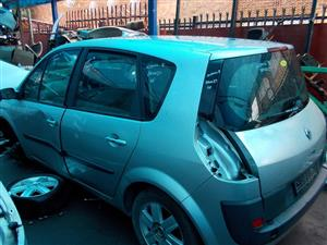 RENAULT SCENIC II 1.6 16V STRIPPING FOR SPARE PARTS