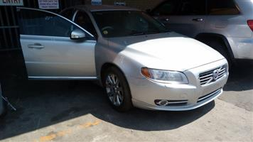 CURRENTLY STRIPPING VOLVO S80 2010 SILVER