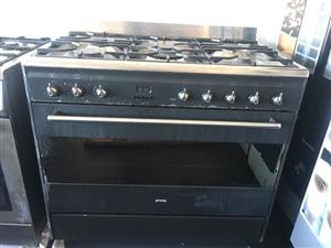 Smeg 90cm 5burner Gas stove for sale