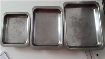 Stainless steel rectangular roasting trays