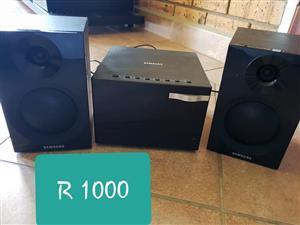 Samsung speakers and amp for sale