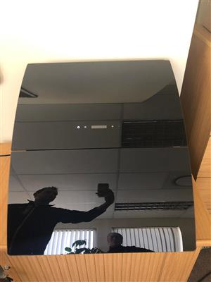 600mm Black Glass Curved Extractor