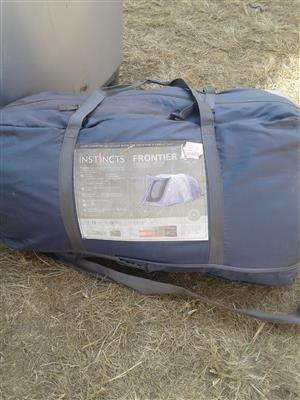 Instincts frontier family tent 3 room