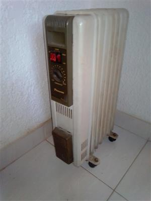 7 fin electric oil heater. Heats the room very fast.