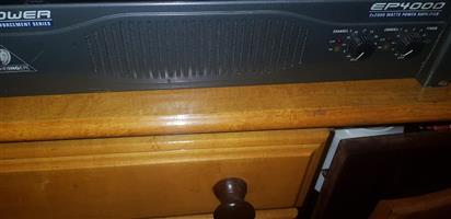 Berhinger EP4000 amp 2x2000 watt