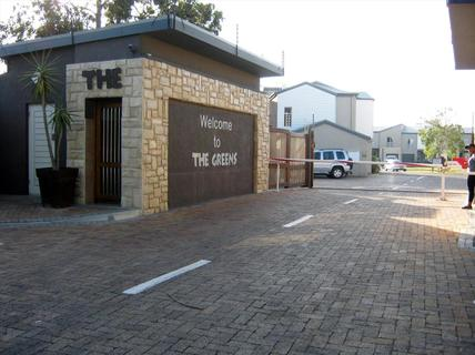 Townhouse For Sale in Strand South
