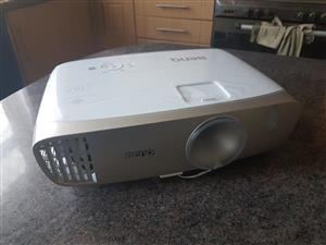 BenQ w2000 FHD 3D home theatre projector for sale.