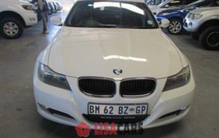 2011 BMW 3 Series 320i Start