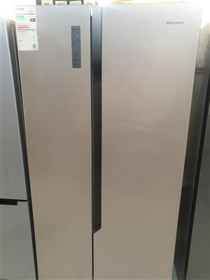 HiSense 516L Side-by-Side Fridge / Freezer