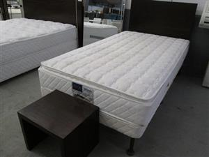 Beds, Linen, Assorted Clothing and other items in Live Athlone Warehouse Auction