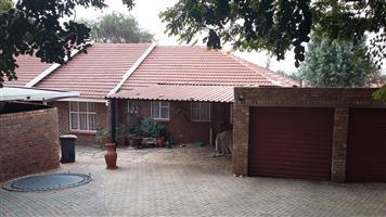 6 Slaapkamer huis te huur Magalieskruin Pretoria