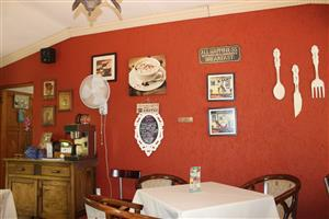 BENONI AGR. HOLDINGS-2 Ha--HOUSE-COFFEE SHOP-COTTAGES-CONFERENCE CENTRE!