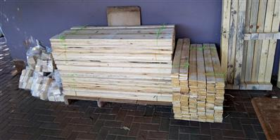 Pallet planks and wooden blocks
