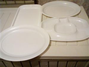 Bargain - 4 Plastic Serving trays!!