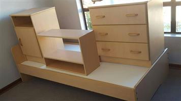 4 Stuk slaapkamerstel te koop