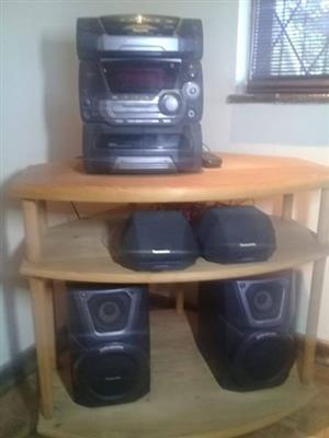 Radio & Table