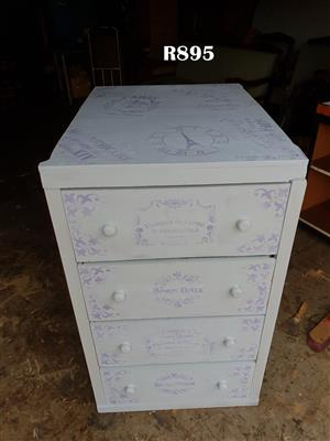 Paris Chest with 4 Drawers (600x770x1010)
