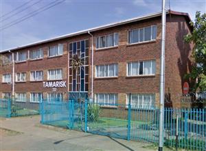 TO RENT: DASPOORT R4800 p/m, 2 bedroom flat, open plan kitchen, lock-up carport