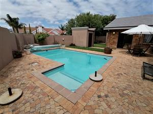 Self catering holiday accommodation in Strand