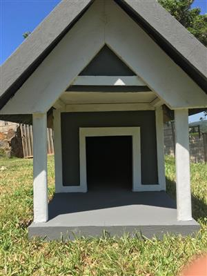 Custom Built Dog Houses and Kennels