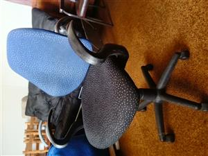 Chair. Computer Office Chair with 2 levers R 380. Uitenhage