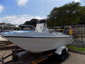 scorpion cat 16 ft centre console , 2x 40 hp yamahas 3 cyclinder electric starts !!!!!!!!!!!!!