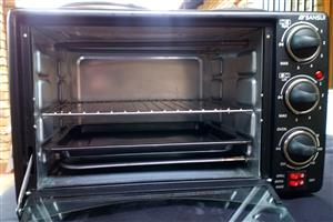 Used 22L Sansui Mini Oven with 1 x working hotplate