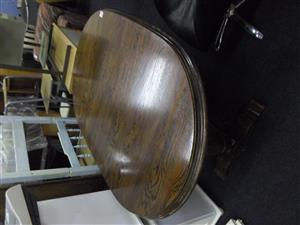 Extendable Oak Wooden Table