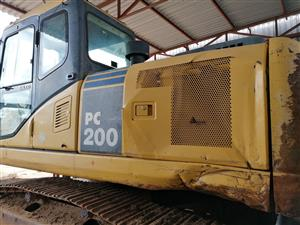 Komatsu PC 200-7 Excavator