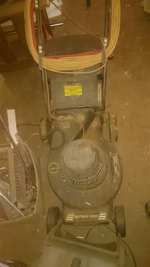 SOUTHERN CROSS LAWNMOWER FOR SALE
