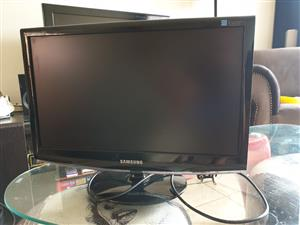 Samsung 2033SNPLUS Monitor, Colour Display, Excellent condition, includes power cable.