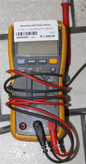 S040425A Fluke 117 tester with cables