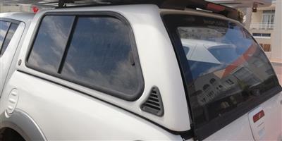 White Mitsubishi Trton D/C canopy for sale