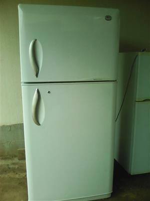 LG fridge freezer R2200