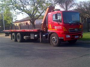 Toyota Hino  12 Ton Truck with crane for hire