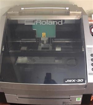 Roland JWX-30 cutting machine