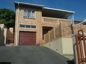 HOUSE FOR SALE  in  HAVENSIDE CHATSWORTH